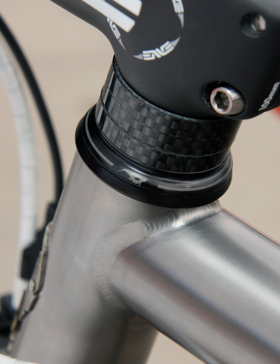 The Cane Creek AER headset uses a Norglide bushing up top instead of conventional ball bearing