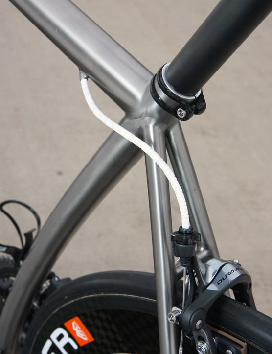 The seatpost exits the top of the seat tube at an actual angle of 69 degrees but a more conventional effective angle of about 73 degrees