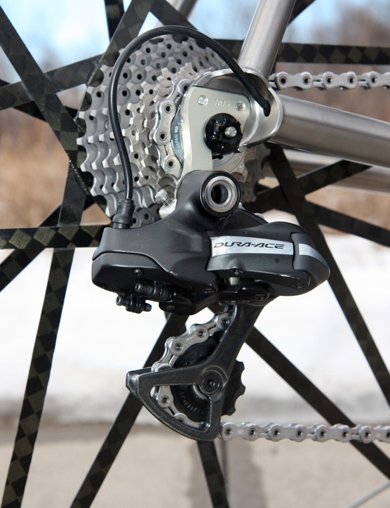 Shimano's Dura-Ace Di2 electronic group has opened up new doors for custom builders looking to exploit the unique wire routing possibilities