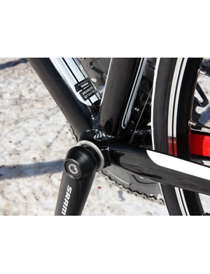 Specialized fits the Allez Comp frame with a conventional threaded bottom bracket shell