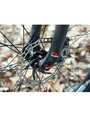 Ashima's new pancake hydraulic disc brake and other boutique components help keep Crumpton's new carbon fiber 29er below 17lb.