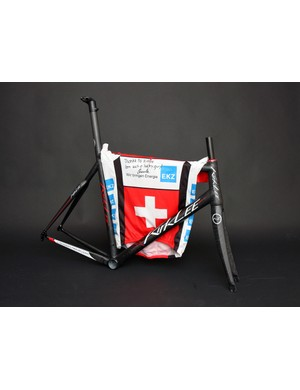 KirkLee is now supplying custom frames for Swiss pro Christian Heule.