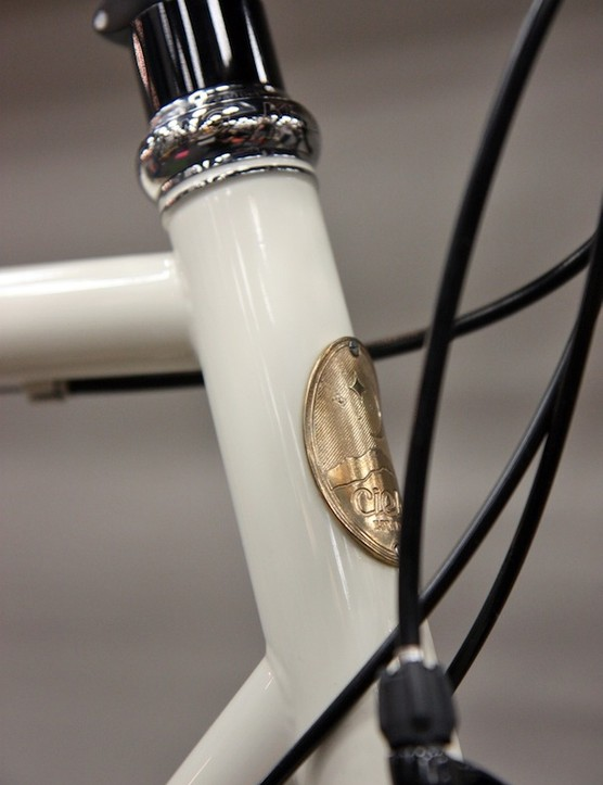 The Cielo Sportif Racer includes stainless steel reinforcement rings on the head tube