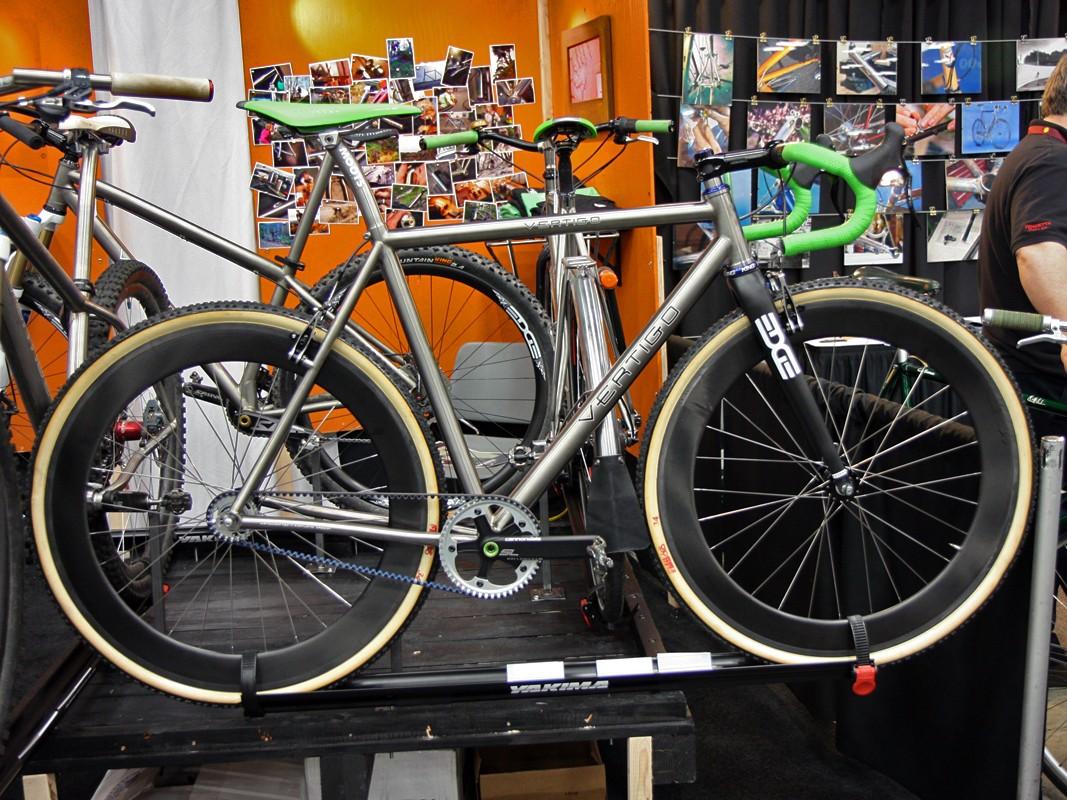 This Vertigo singlespeed 'cross bike is designed around linear-pull rim brakes with no rear cantilever hanger.