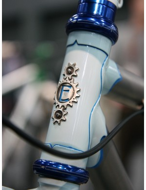 The head tube badge is neatly brazed on to the front of this Engin Cycles frame.