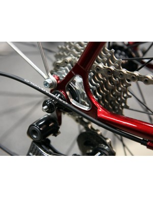 Engin Cycles neatly masks and polishes the interior surfaces of this Paragon Machine Works stainless steel dropout.