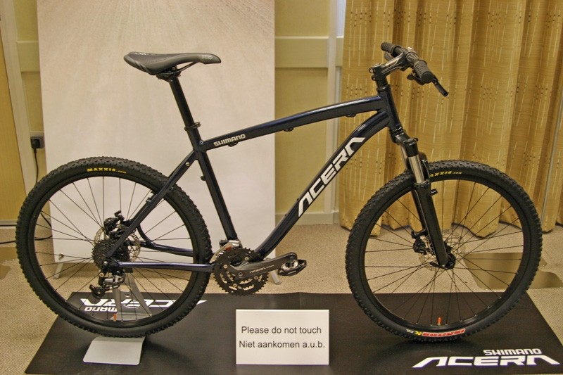 This hardtail is decked out with Shimano's new 2011/12 Acera mountain bike groupset