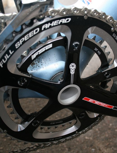 An FSA crankset (53-39T) is a complements the rest of the componentry (Shimano Ultegra)