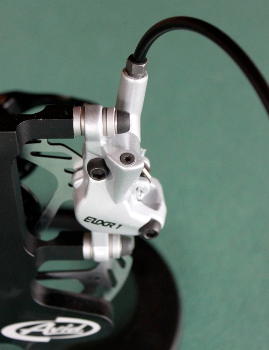 The Elixir 1 caliper uses the same pad style as the rest of the Elixir family, packing a serious punch for the price