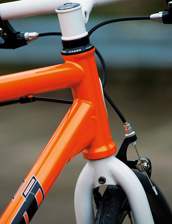 Reinforced head-tube and large head/down-tube gusset