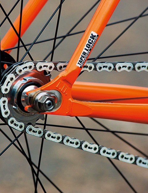 The clever yet simple design of the dropouts mean no need for chain tensioners