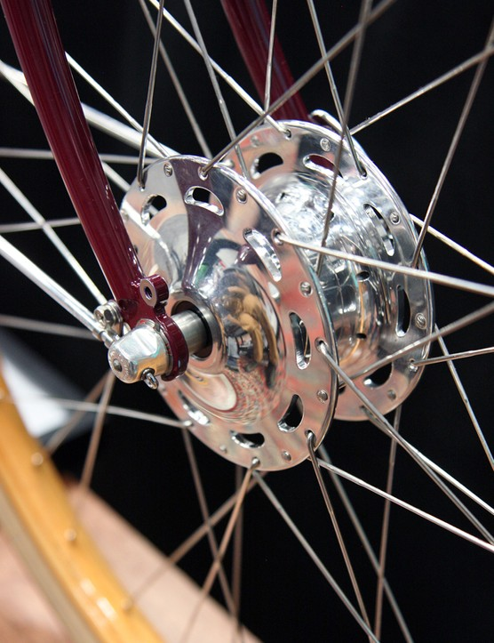 The custom front hub shell is made by Phil Wood and houses Schmidt dynamo guts