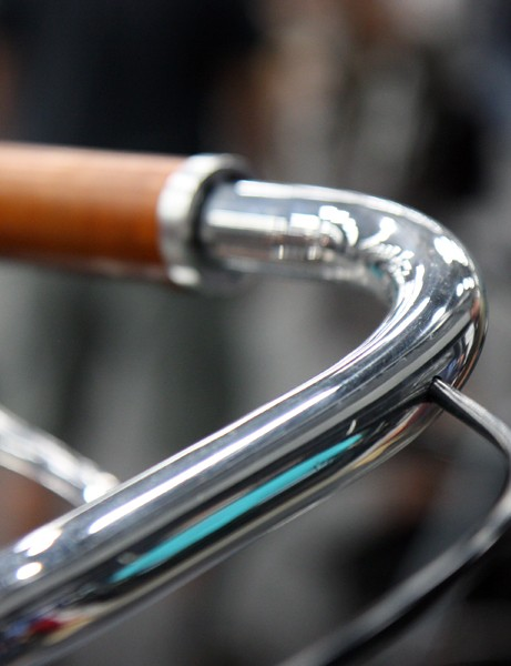 Brake cables are fed through the handlebar on Shelly Horton's bike. Fully custom Cinelli bars are slated to be included around May