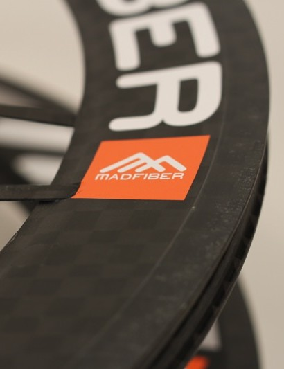 Mad Fiber's carbon brake track performed very well with the supplied cork composite brake pads