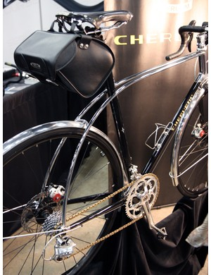 Cherubim claim the arcing dual top tubes and seatstays lends more comfort to the rider on rough roads