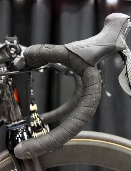 Lever reach is shortened for easier braking and shifting with small hands on the ENVE Composites bar
