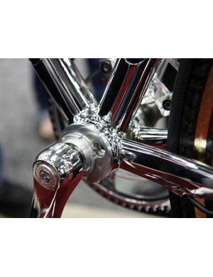 Steel stubs on the down tube and seat tube are bonded to carbon fiber center sections