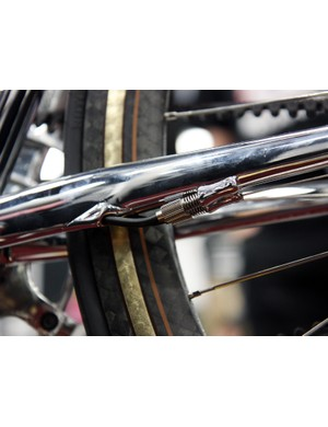 Krencker integrates convenient barrels adjusters into the housing stops for the Rohloff lines
