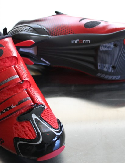 The Platinum Series carbon sole features a structural Power Wave to increase stiffness