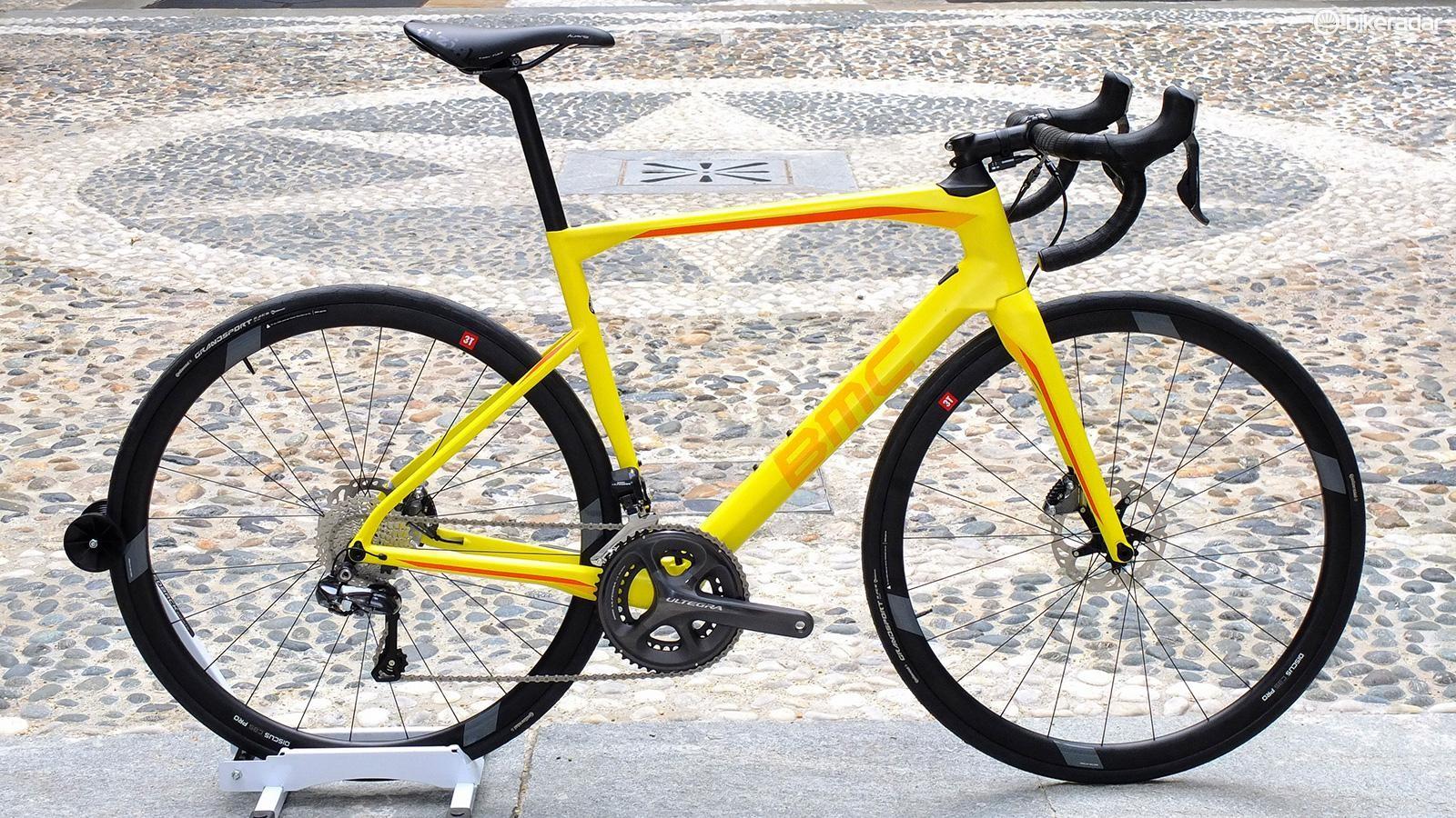 Roadmachine 02 Ultegra Di2 in Yellow