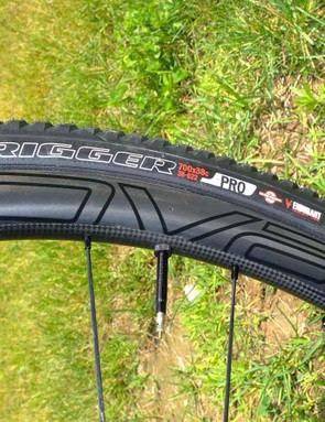 Roval's CLX 32 Rapide carbon wheelset is light, wide and fast, and the Trigger Pro 38mm tyres surprisingly grippy