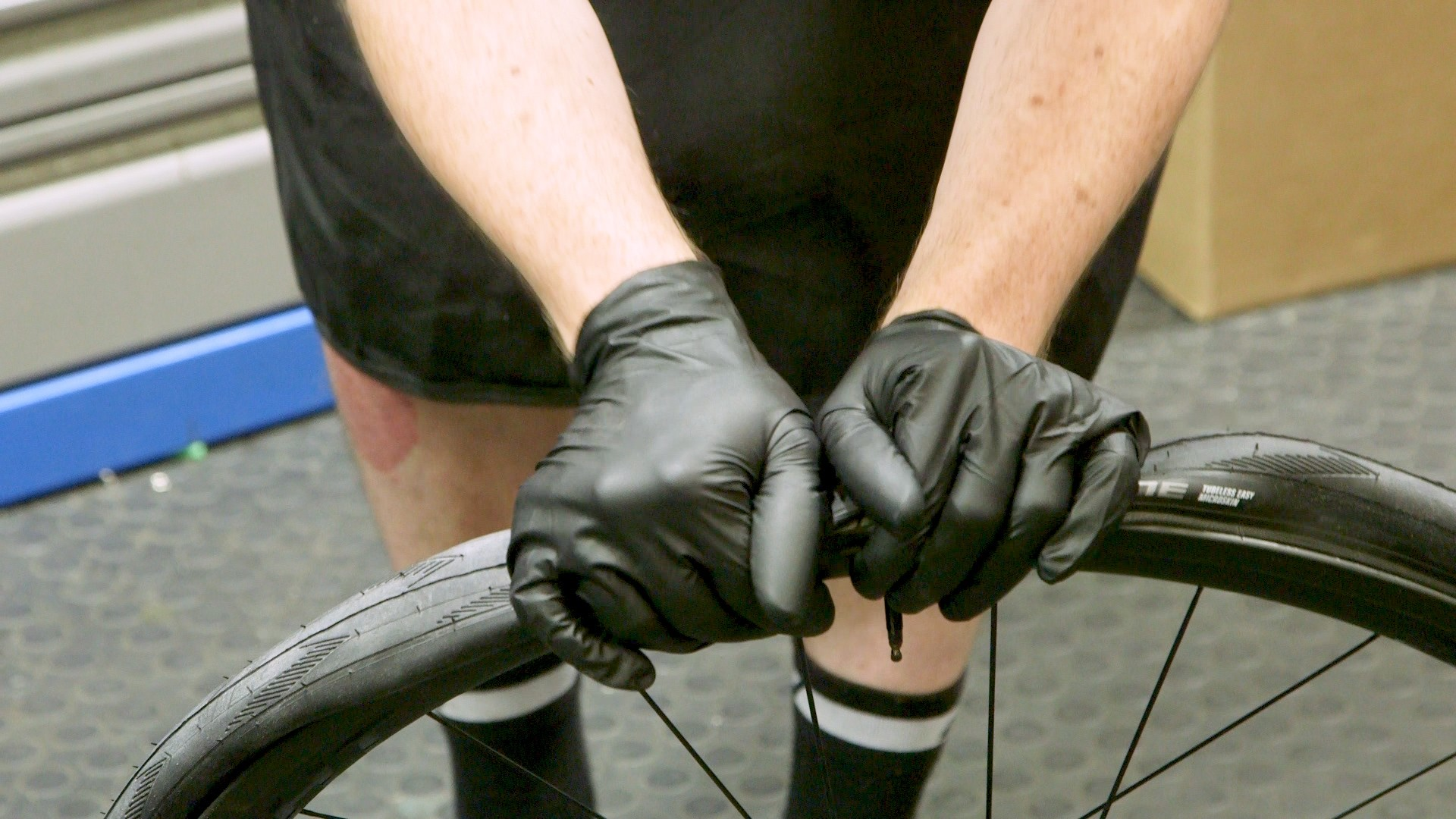 As there's no tube to pinch, you can be a bit more liberal with your use of tire levers, though you'll gain big kudos if you can fit tires without them
