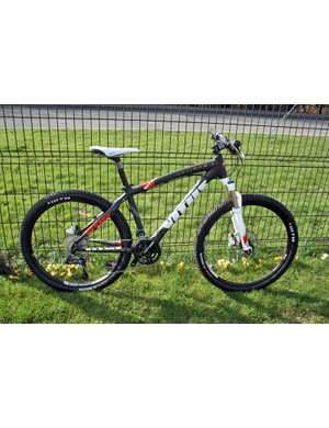 The 2011 Vitus Optimum I carbon cross-country hardtail looks like a lot of bike for £1,499.99, with a RockShox Reba fork, SRAM X7 and Avid Elixir 5 brakes