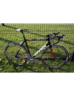 The 2011 Vitus Dark Plasma is available in two versions which share the same carbon fibre frame – this standard option with Shimano Tiagra for £1,149.99 or the upgraded £1,499.99 Plasma VR with Shimano 105