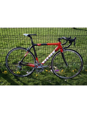 The Vitesse VR is Vitus's flagship 2011 road bike, with a carbon frame, Shimano Ultegra drivetrain and wheels for £2,199.99