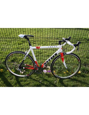 Second from top in the 2011 road range, the carbon Vitus Venon comes with Shimano 105 for £1,799.99
