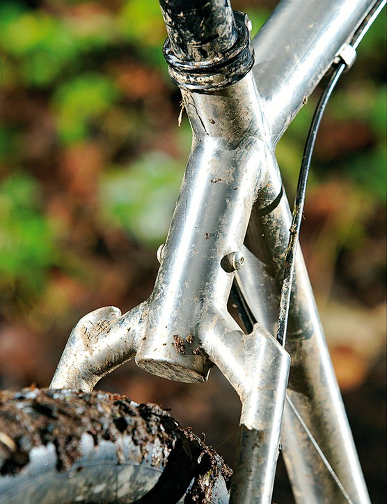 Multi-piece seatstay leaves plenty of room for mud