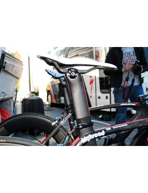 Carbon rails on Cav's saddle to keep things light