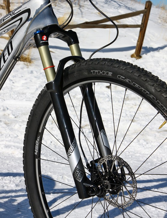 The tapered RockShox Reba RLT fork delivers excellent bump control in most situations