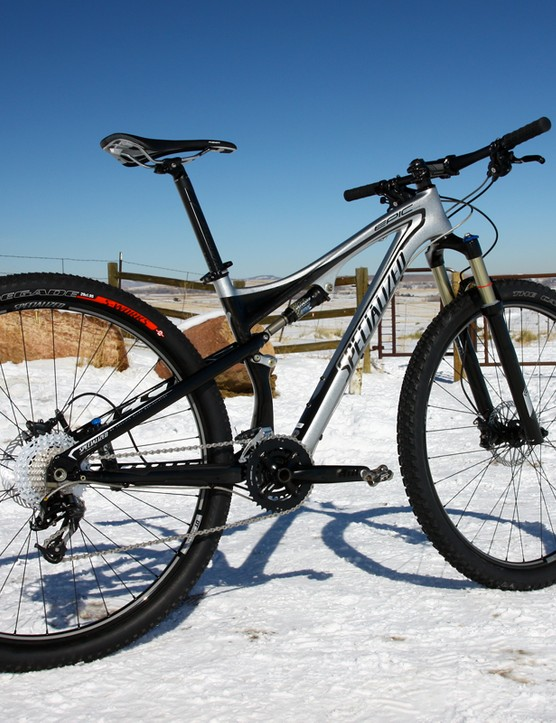 The Specialized Epic Comp Carbon 29 may not be as light as its more expensive carbon brethren but it's far from heavy and it's definitely a ripper
