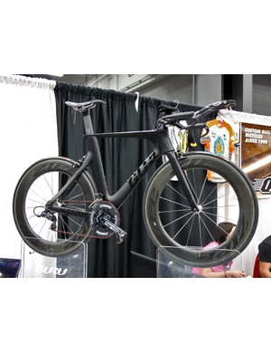 Guru went full stealth for their time trial/triathlon bike at NAHBS
