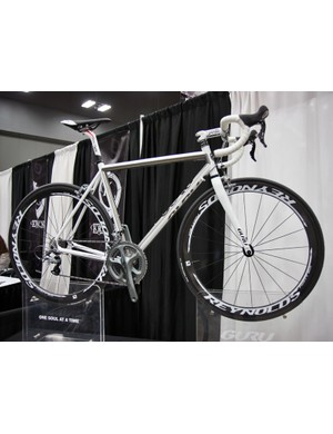 Rather than leave it just plain grey, Guru dressed up their titanium road bike at NAHBS with a keen half-masked white paint job