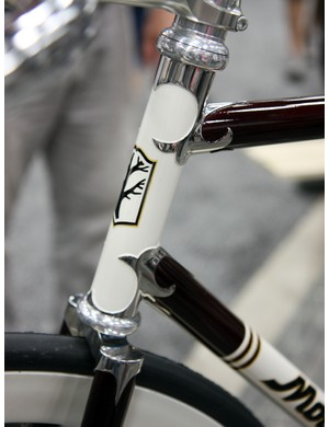 Mosaic outfitted this bike with carved lugs and an extended head tube