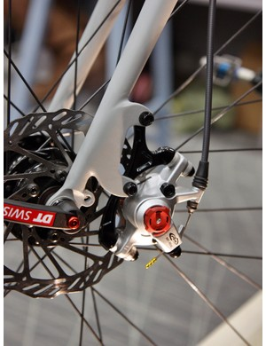 Mosaic flipped a 203mm brake caliper adapter upside down for use with a 140mm front rotor