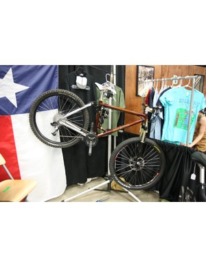 True Fabrication built this 6in-travel 29er with a Ventana rear end