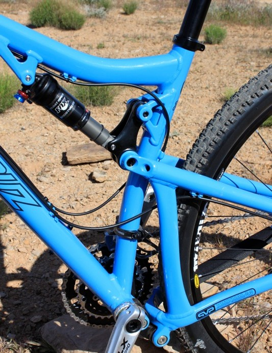 The upper swing link on the alloy Tallboy is also forged from aluminum