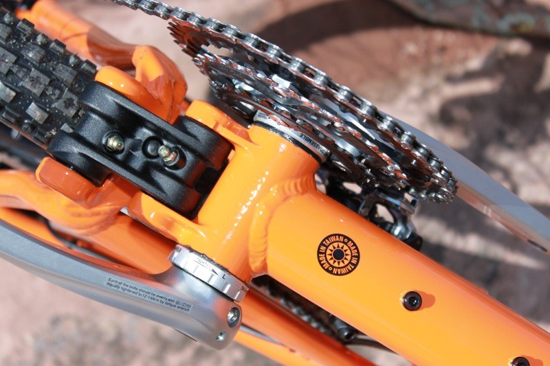 Tallboy features a new offset lower link that offers more chainring clearance and better protected grease fittings
