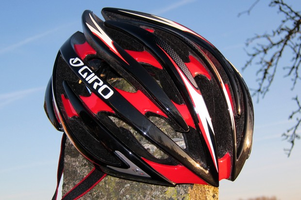 Giro's Aeon helmet blends the best attributes of its feathery Prolight and the breezy Ionos into a new flagship model.