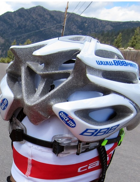 Large rear ports help hot air escape at slower climbing speeds