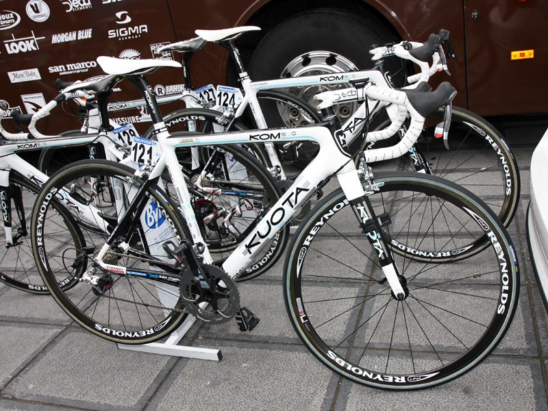 Ag2r ran 32mm-deep Reynolds carbon tubulars across the board on its Kuota KOM machines for Ronde van Vlaanderen.