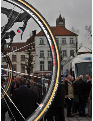 Astana was one of many teams at the 2011 Ronde van Vlaanderen to put its riders on carbon rims.