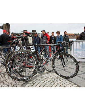 BMC used a mix of carbon and aluminum wheels at Ronde van Vlaanderen but rode their SLR01 Team Machine bikes across the board.