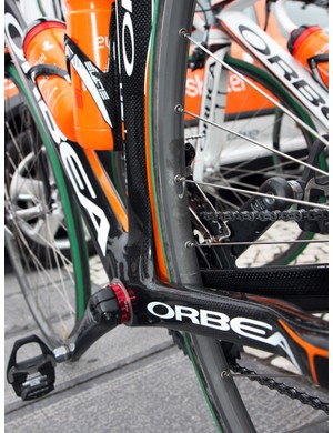 Euskaltel-Euskadi removed the decals from this aluminum box-section rim but it looks like a Mavic Reflex to us.
