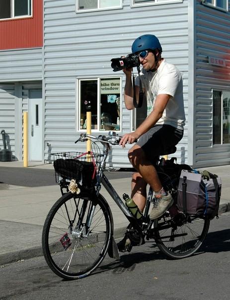 Maus working the Portland bike beat