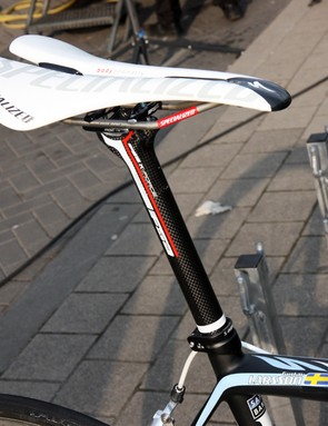 In contrast to most pros, Gustav Larsson (Saxo Bank-Sungard) uses a non-offset seatpost.
