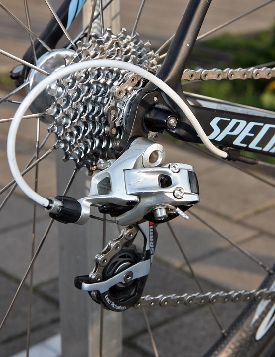 The full SRAM rear end on Gustav Larsson's (Saxo Bank-Sungard) Specialized S-Works Tarmac SL3 includes a Red rear derailleur, a PC-1091 chain, and a PG-1070 cassette.